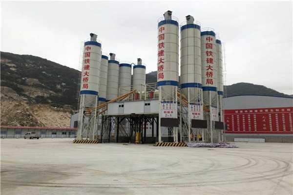 大型混凝土搅拌站生产线现场的原料科学管理